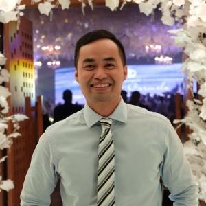 Rhon De los Santos, Entrepreneur and Personal Financial Advisor