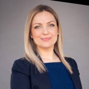 Nadine Popova, Managing Director